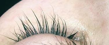 施術後(まつ毛の長さがUP)